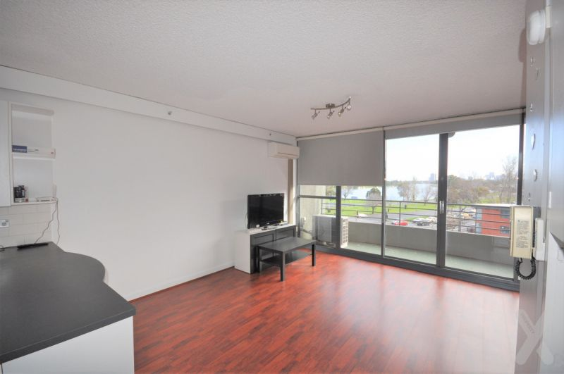 PRIVATE INSPECTION AVAILABE - Spacious Studio with Views!