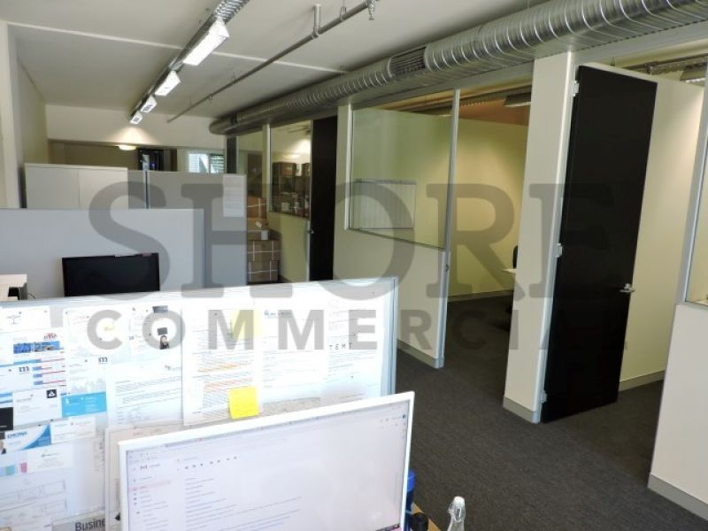 PROFESSIONAL OFFICE SUITE IN THE HEART OF BROOKVALE