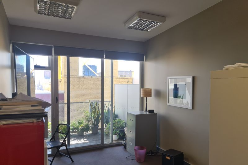 CREATIVE & MODERN OFFICE WITH BALCONY $375 p.w.