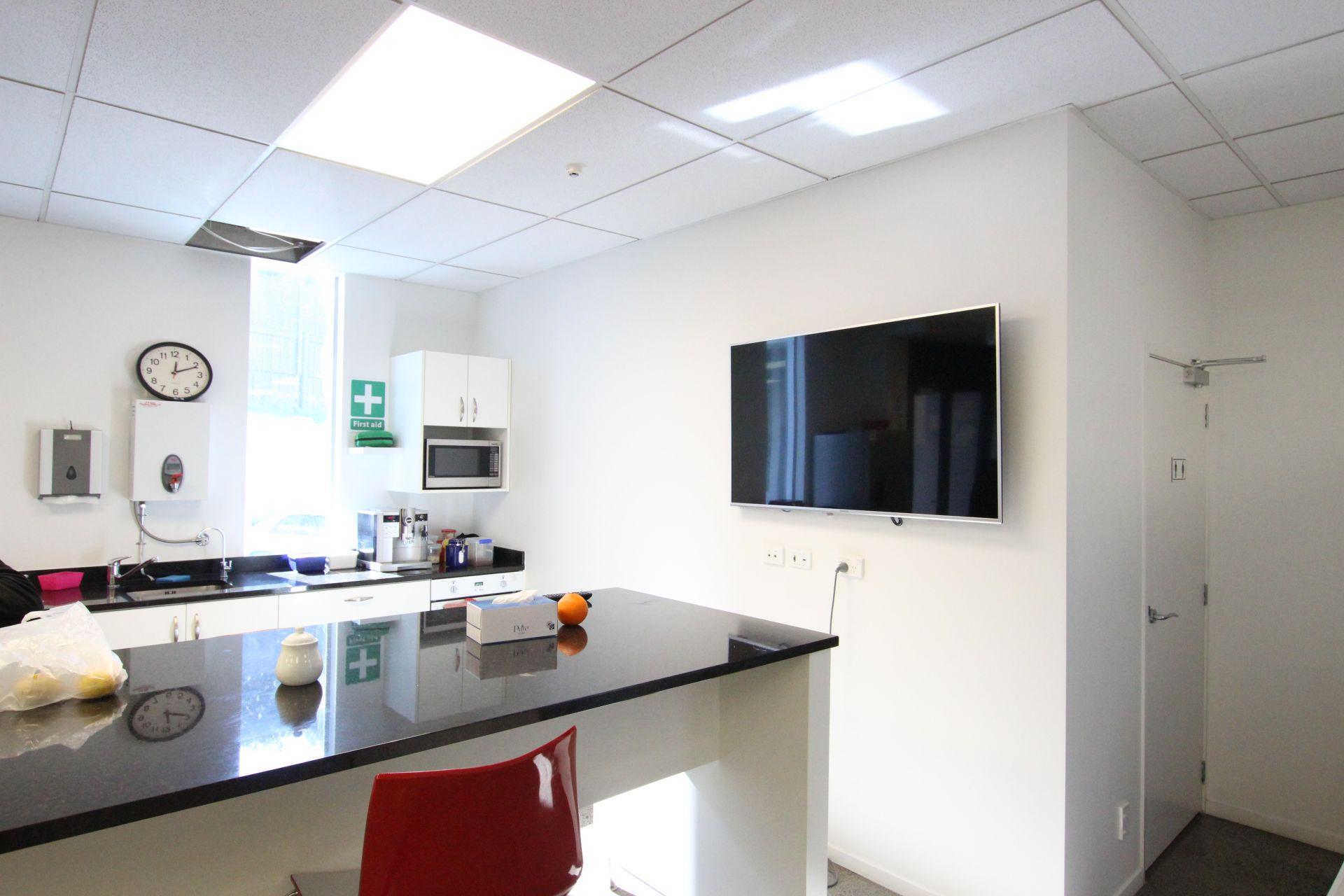 Efficient Office with Roller Door