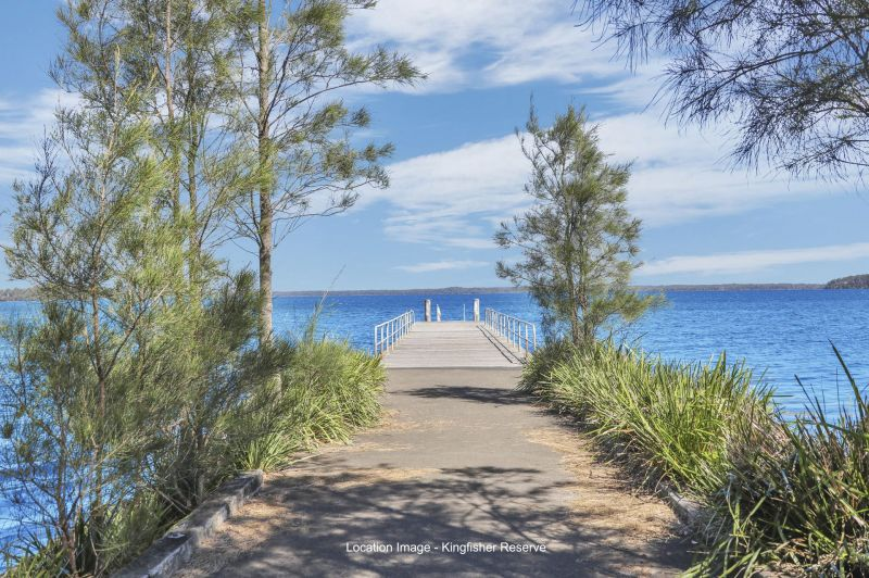 For Sale By Owner: 4 Island Point Road, St Georges Basin, NSW 2540