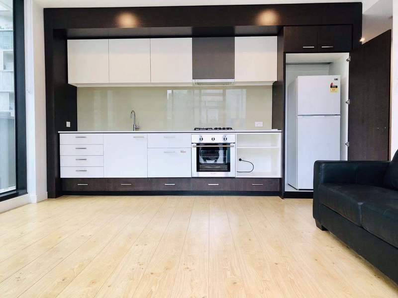 Furnished Two-Bedroom Apartment in Southbank