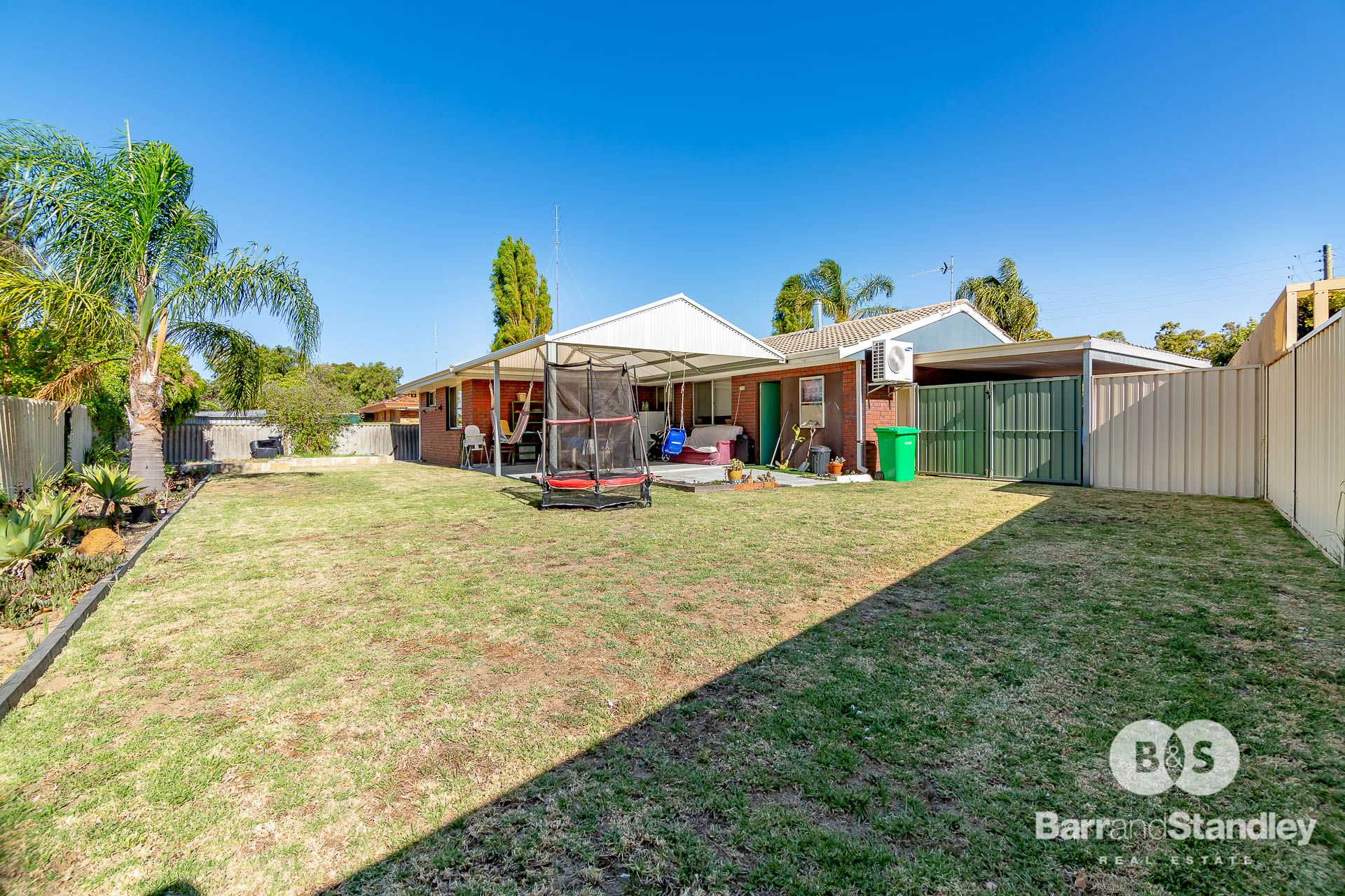4 Bramble Grove, Carey Park