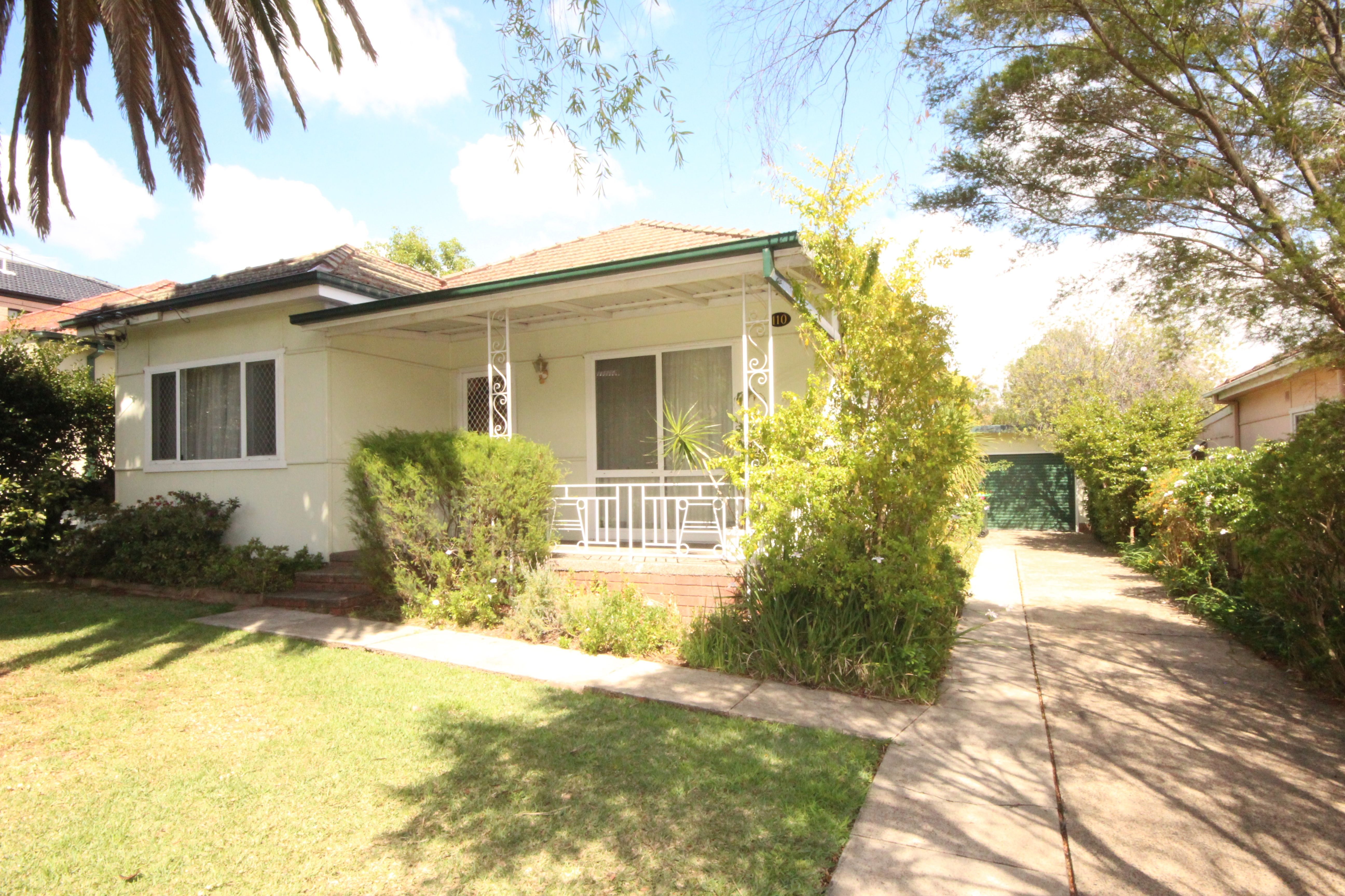 110 Hillcrest Avenue, Greenacre NSW 2190
