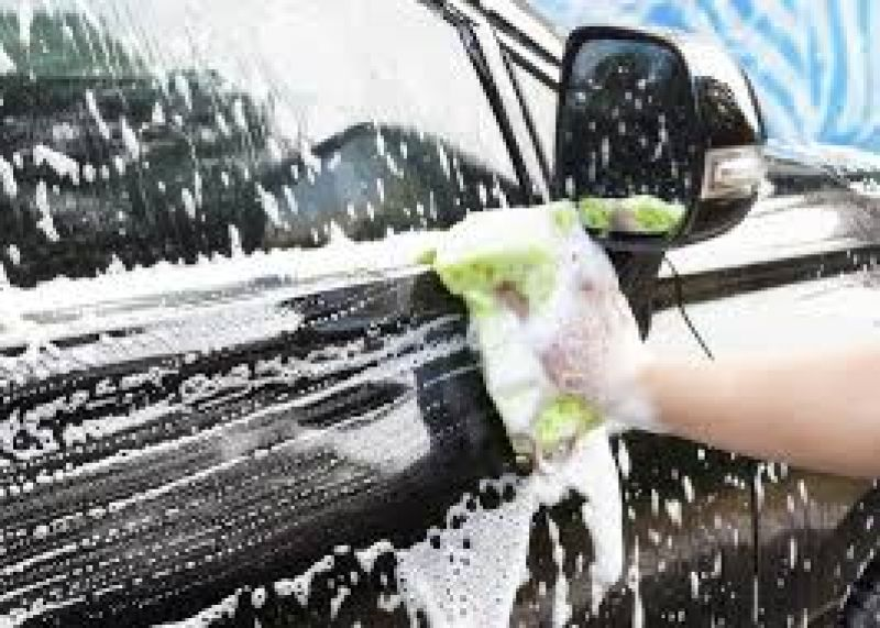 Hand Car Wash in busy Western Suburb Shopping Centre