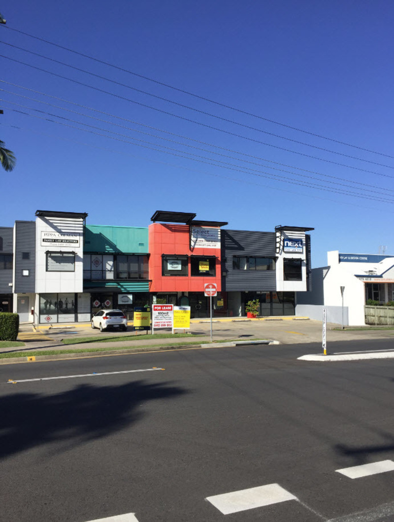 RENT REDUCED - OFFICE OR RETAIL IN MAROOCHYDORE - BIG BRIGHT AND VISIBLE