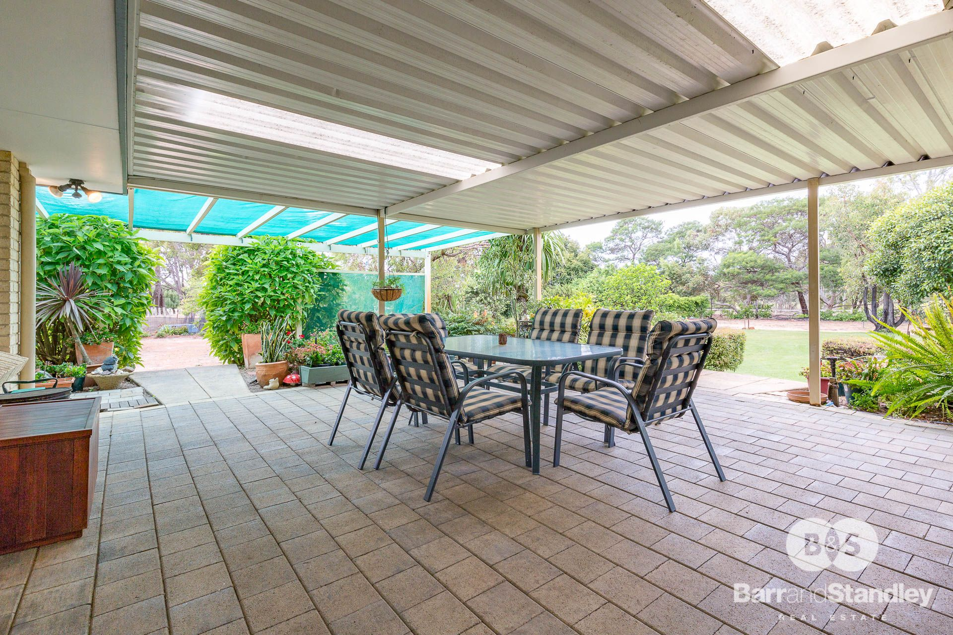 77 Hayclif Avenue, North Boyanup