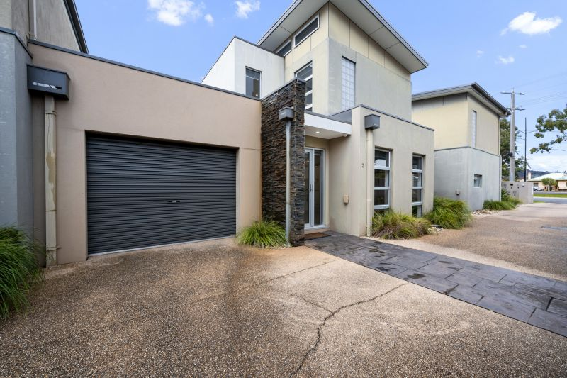 Contemporary Central Wodonga Townhouse