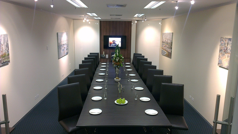 OFFICES LOCATED IN THE HEART OF MELBOURNE FOR 2 PERSON