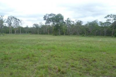 HUGE 6 ACRE BLOCK CLOSE TO TOWN!