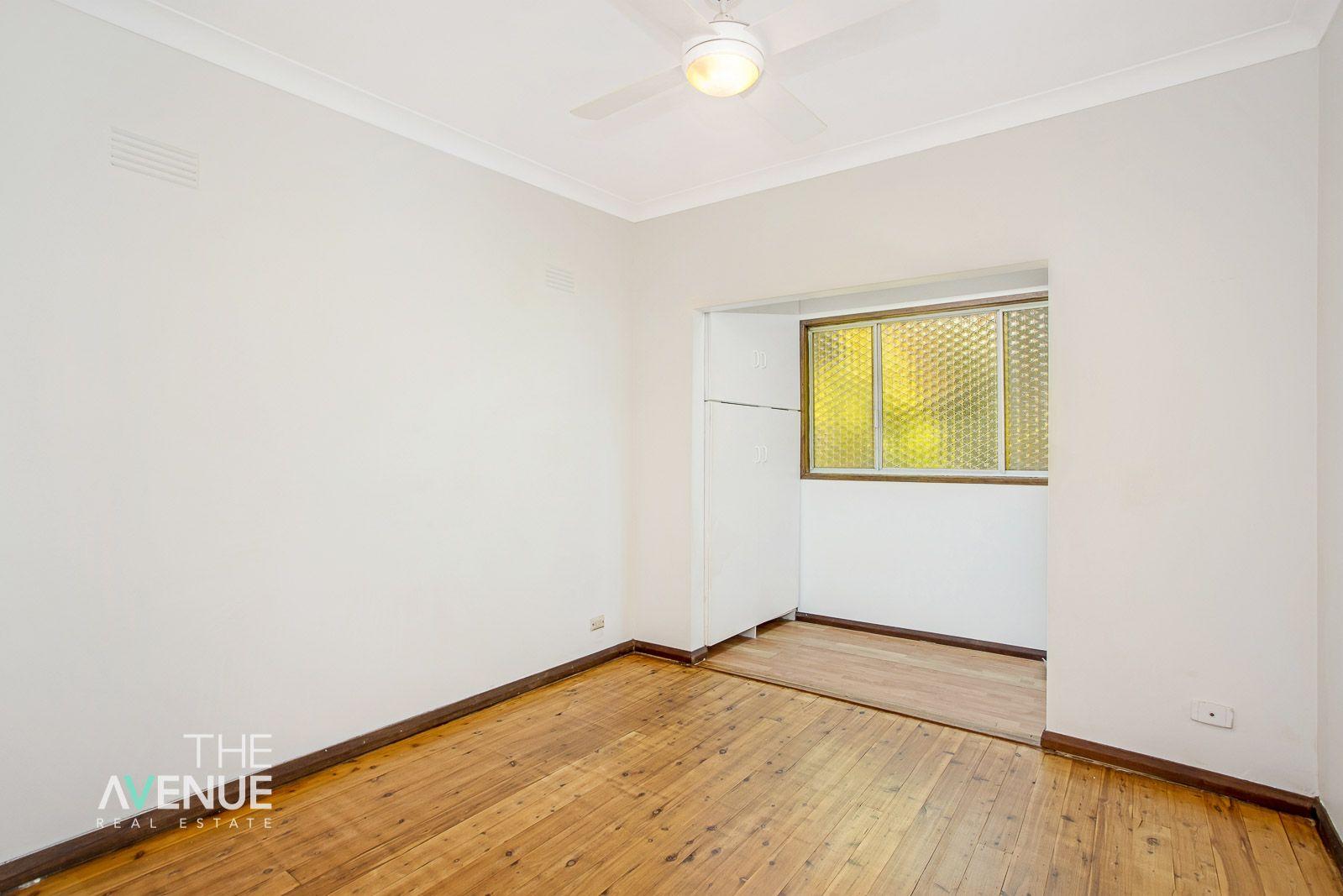 31 Roland Avenue, Northmead NSW 2152
