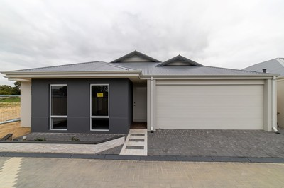 Fully completed brand new houses in quiet location ready to move in.
