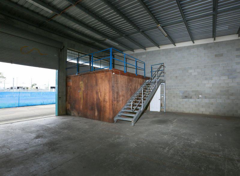 589m2* Warehouse on 5,750m2* of Land