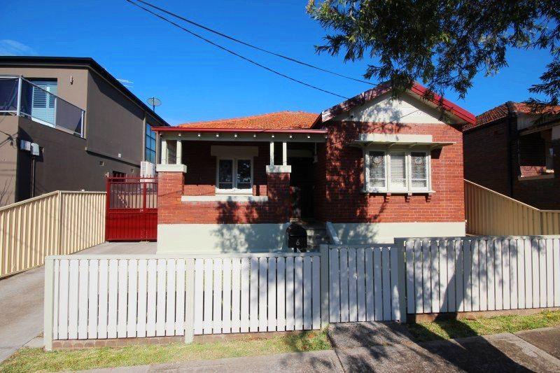 6 Burnham Street, Belfield NSW 2191