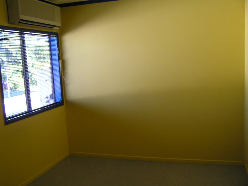 FRINGE CBD OFFICE WITH EXPOSURE / CLOSE TO CITY