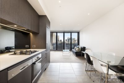 Light Filled Large Corner Unit in the heart of the CBD!