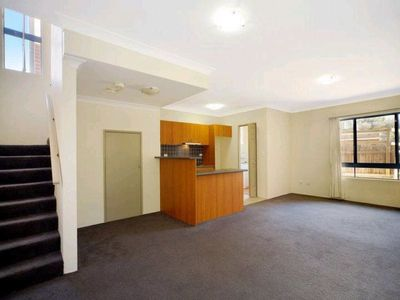 North-facing Boutique Townhouse with Minutes Walk to Maroubra Beach