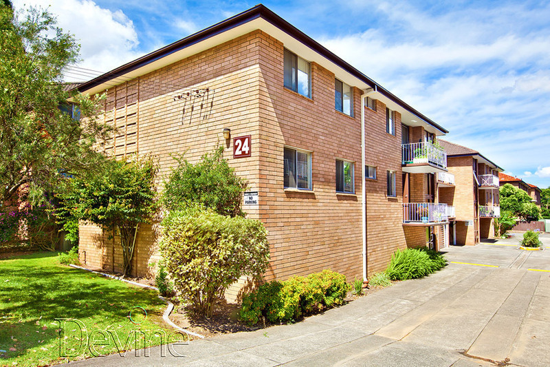 6/24 Hornsey Road, Homebush West