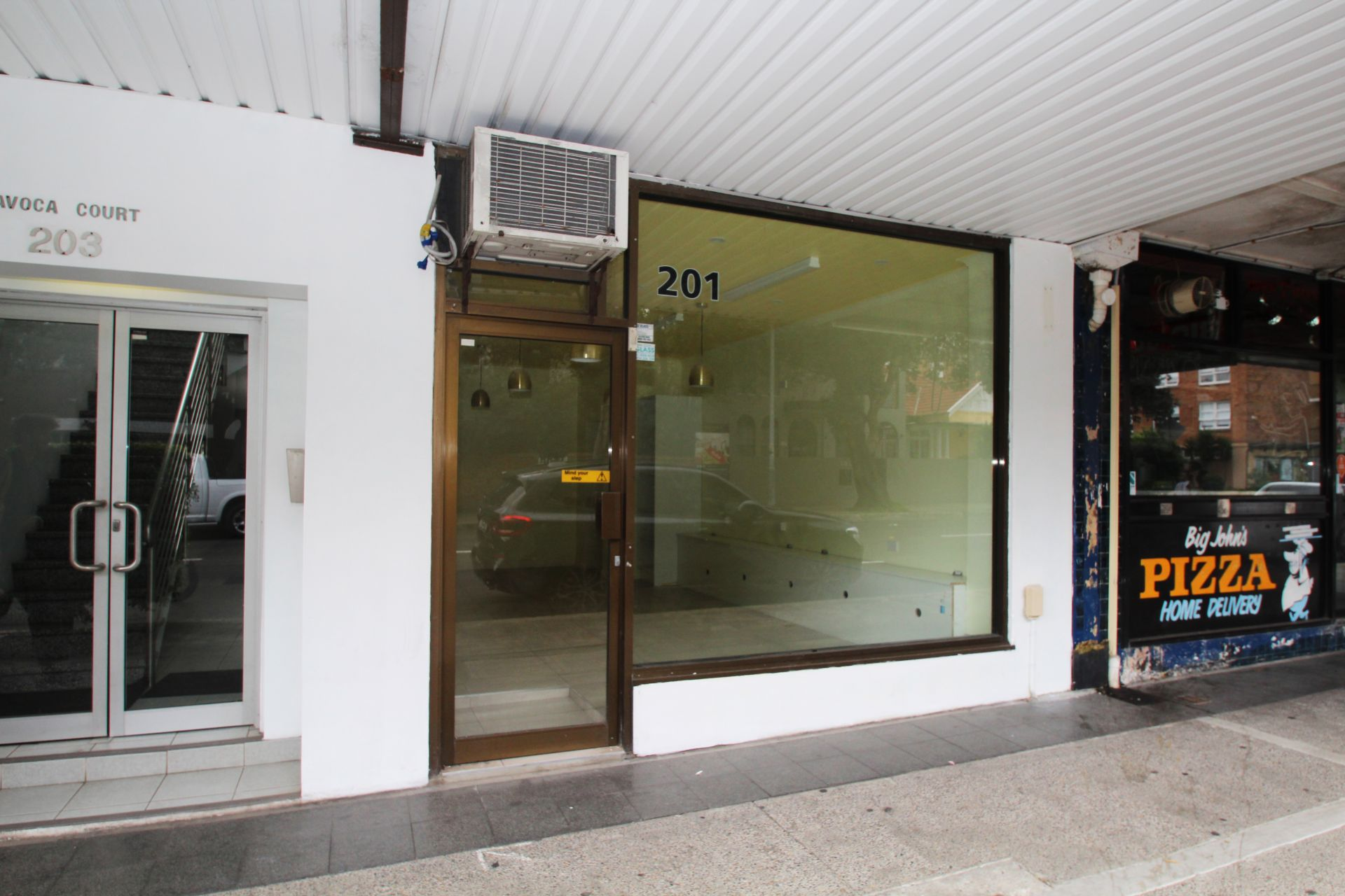 PRIME RETAIL SHOP IN THE HEART OF BONDI