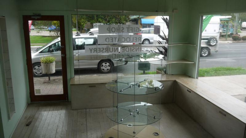 80M2 Retail/Office Space With High Exposure In The Heart Of Samford Village