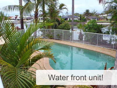 Unit Gold Coast Only one available on the top floor, highly sort after 3 story walk up
