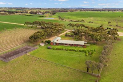 Absolute River Frontage     38.9 Ha (96.5 Ac) approx.
