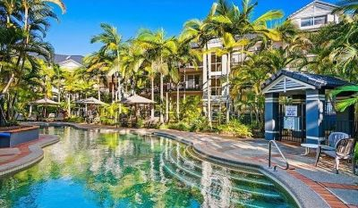 Renown Blue Waters Apartments in the Beautiful Broadwater Location!