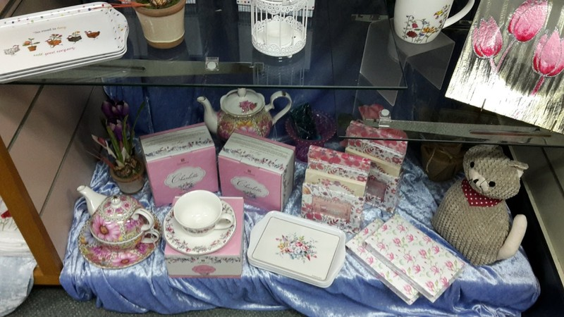 Gifts and collectables, tobacco, must be sold