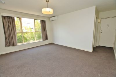 Spacious, bright, 1 bedroom apt in central South Yarra with off-street parking