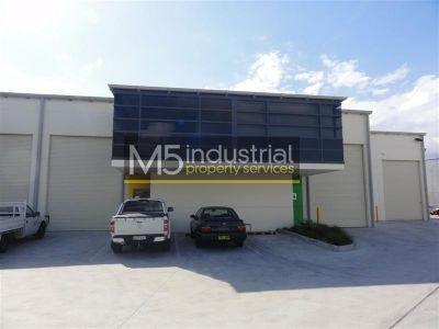 164sqm - Tidy Warehouse in Popular Strata Complex