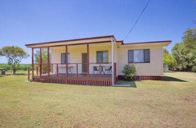 IMMACULATE RENOVATED HOME ON LEVEL 1 ACRE BLOCK!!!  BE QUICK....