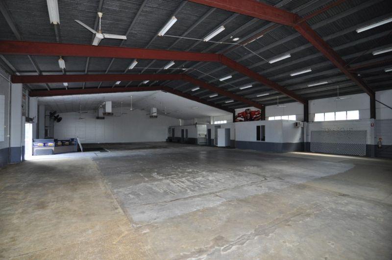 Multi tenancy Industrial property - suit owner occupier