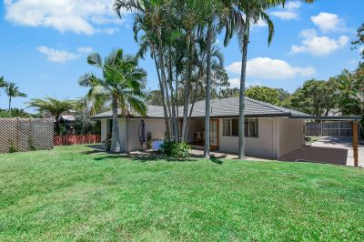 Fully renovated family home walking distance to the beach