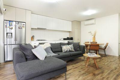 Huge Modern Courtyard 3 Bedroom Apartment  - LEASE BREAK