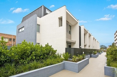 Ultra Modern Three Bedroom Townhouse with Parking