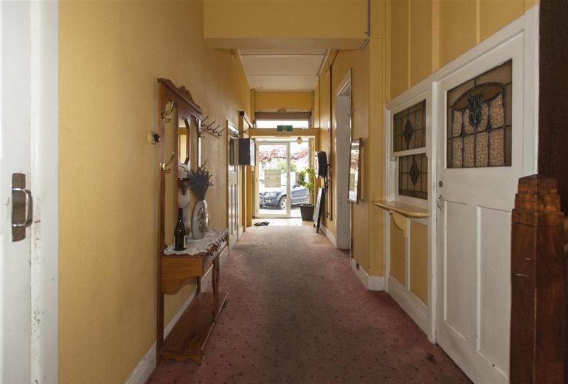 Historic Shire Hall Hotel