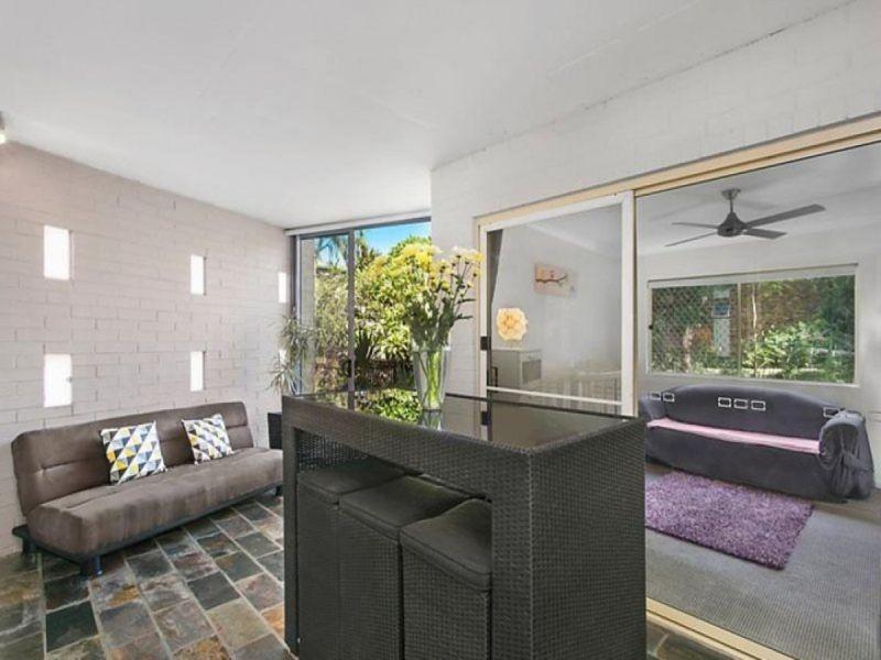 Modern Ground Floor Apartment in Convenient Locale