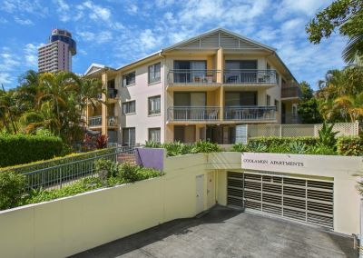 Furnished spacious apartment - 5 minute walk to beach