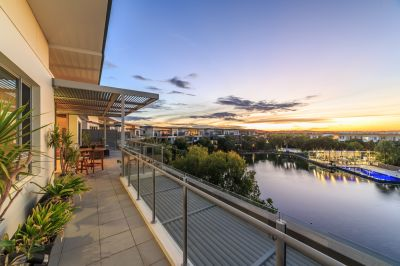 Desirable Northern Aspect - Lakeside Penthouse!  Immediate Sale Required!
