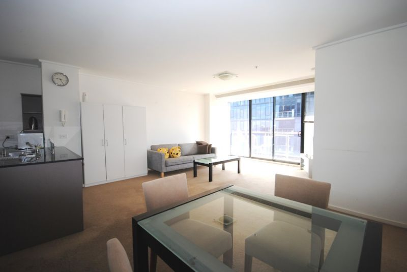 City Tower: 33rd Floor - FULLY FURNISHED - This One Ticks All The Boxes!