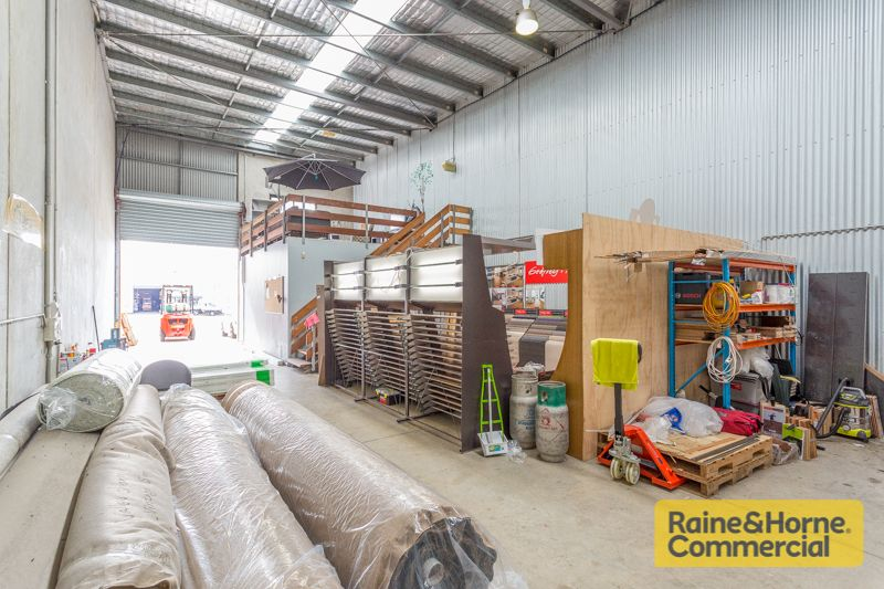 Compact Tilt Panel Investment fronting Boundary Road – Must be Sold!