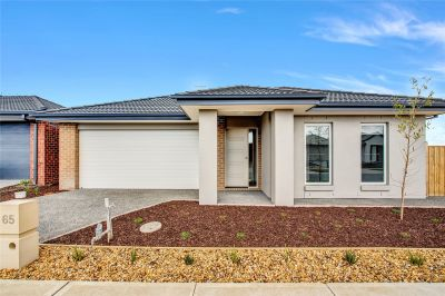 Fantastic Four Bedroom Family Home in Point Cook!