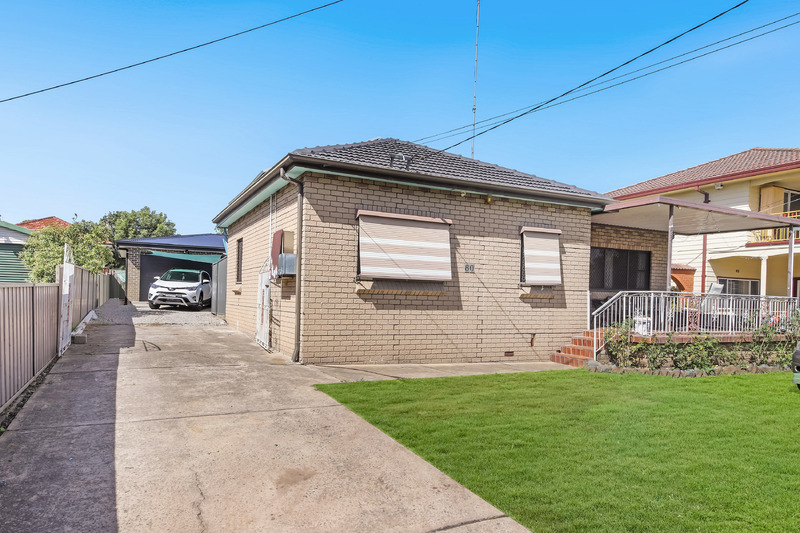GREAT INVESTMENT OPPORTUNITY WITH DUAL INCOME