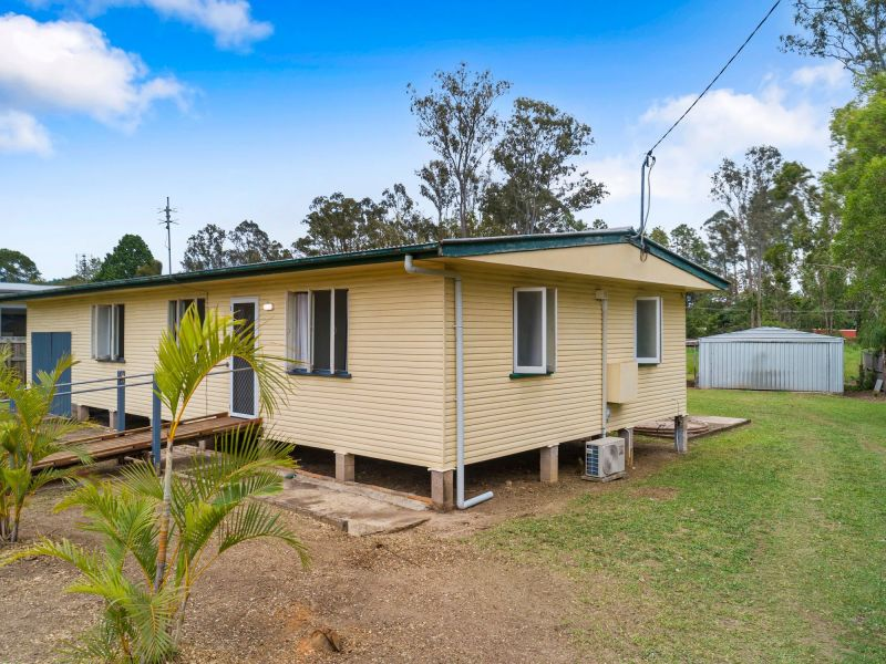For Sale By Owner: 11 Caloundra Street, Landsborough, QLD 4550