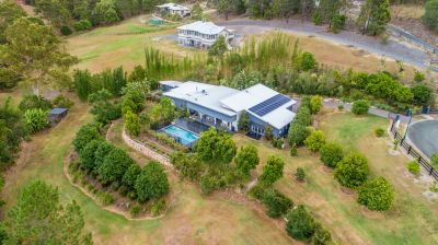 Private Acreage Retreat  Style, Space and Tranquillity