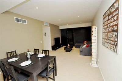 Clarendon Towers - Immaculate Condition With Stunning Views!