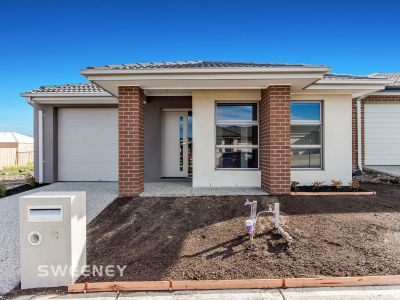 ***APPLICATION PENDING APPROVAL***Well Presented Good As New Family Home!