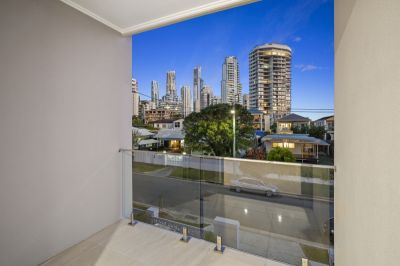 North facing!! Prestige Villa with Surfers Paradise Skyline views