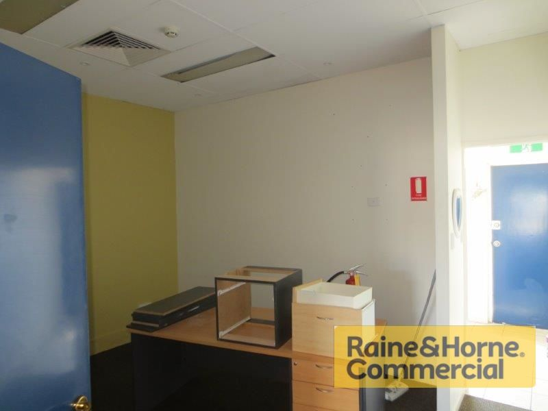 71sqm Well Presented Office/Retail Space with Excellent Signage & Exposure