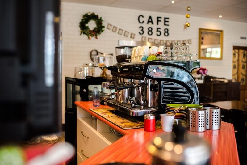 CAFE 3858. LICENSED CAFE, HEAVY TOURIST AREA OF HEYFIELD.